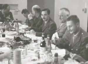 Commandant Picaud au Mess des officiers